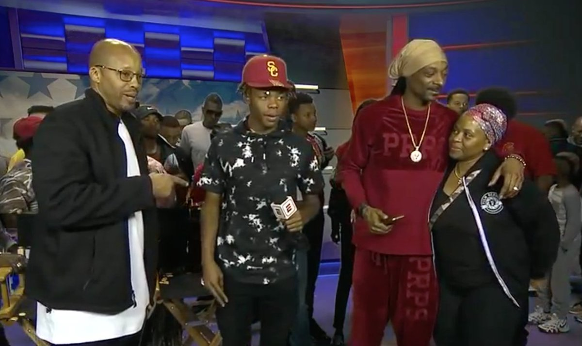ESPN 300 DB Olaijah Griffin signed with USC.  @SnoopDogg and dad Warren G approved.
