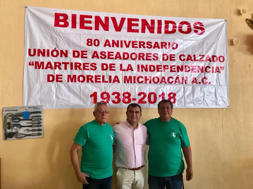 """Esta tarde acudí, invitado por la Unión mutualista de aseadores de calzado """"Mártires de la Independencia de Morelia MIchoacán"""" a celebrar su 80 aniversario. Oficio transmitido de generación en generación y que es una tradición en el centro histórico de nuestra ciudad. https://t.co/b0Wh455k9M"""