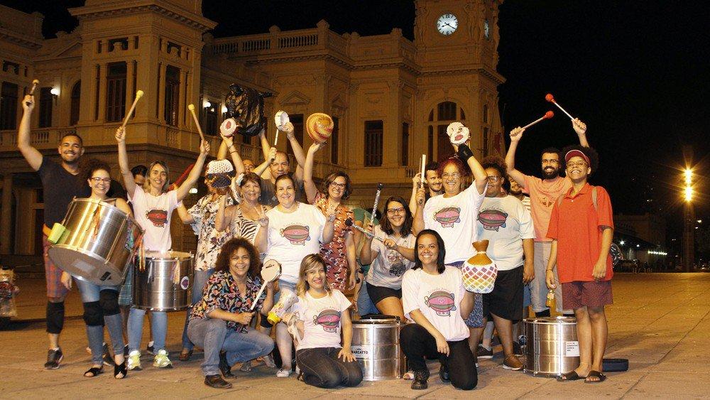 Criado por fã, bloco 'Acorda Amor' traz as músicas de Chico Buarque para o carnaval de BH https://t.co/yQuaMFjsZ6 #G1