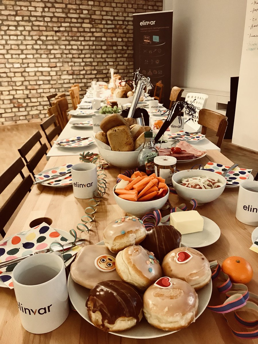 Good morning, #Helau and #Alaaf - we thought it was time for some traditional German #teambreakfast again... 🤡👻🦁🎊 #treatyourteam #feedyourteam #bestofficemanager ☕️🍩