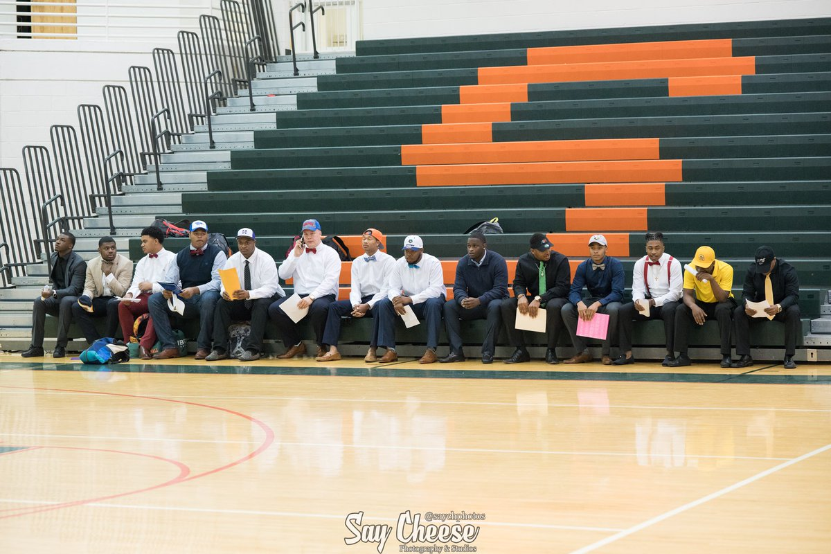 We had 14 #StudentAthletes sign and #commit to the #college and #univeristy where they will continue their studies and football #careers. @StockbridgeFoo2 @HCAthletics_HCS @HDHSports @RecruitGeorgia @High5Sports #committed #signingday ... More pics at  http:// bit.ly/2FSXWmE  &nbsp;   <br>http://pic.twitter.com/IfU8VeSjg4