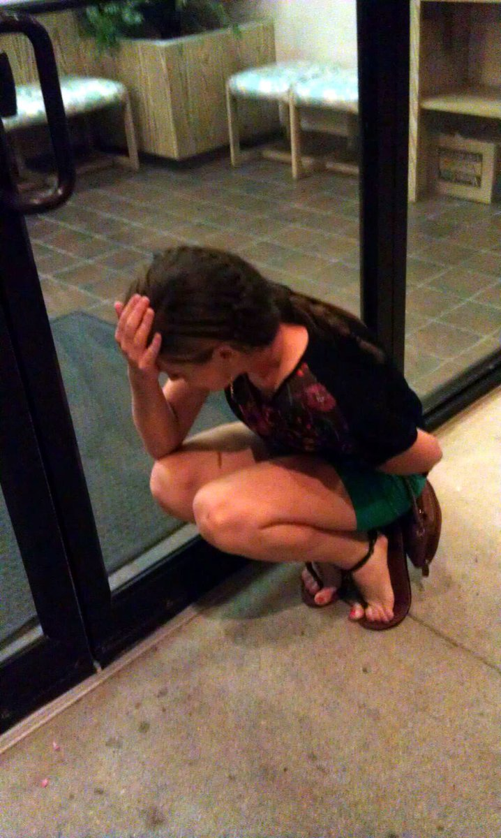 Girls Desperate To Pee Locked Out 3pic Twitter Com Wcsx1hdl3y