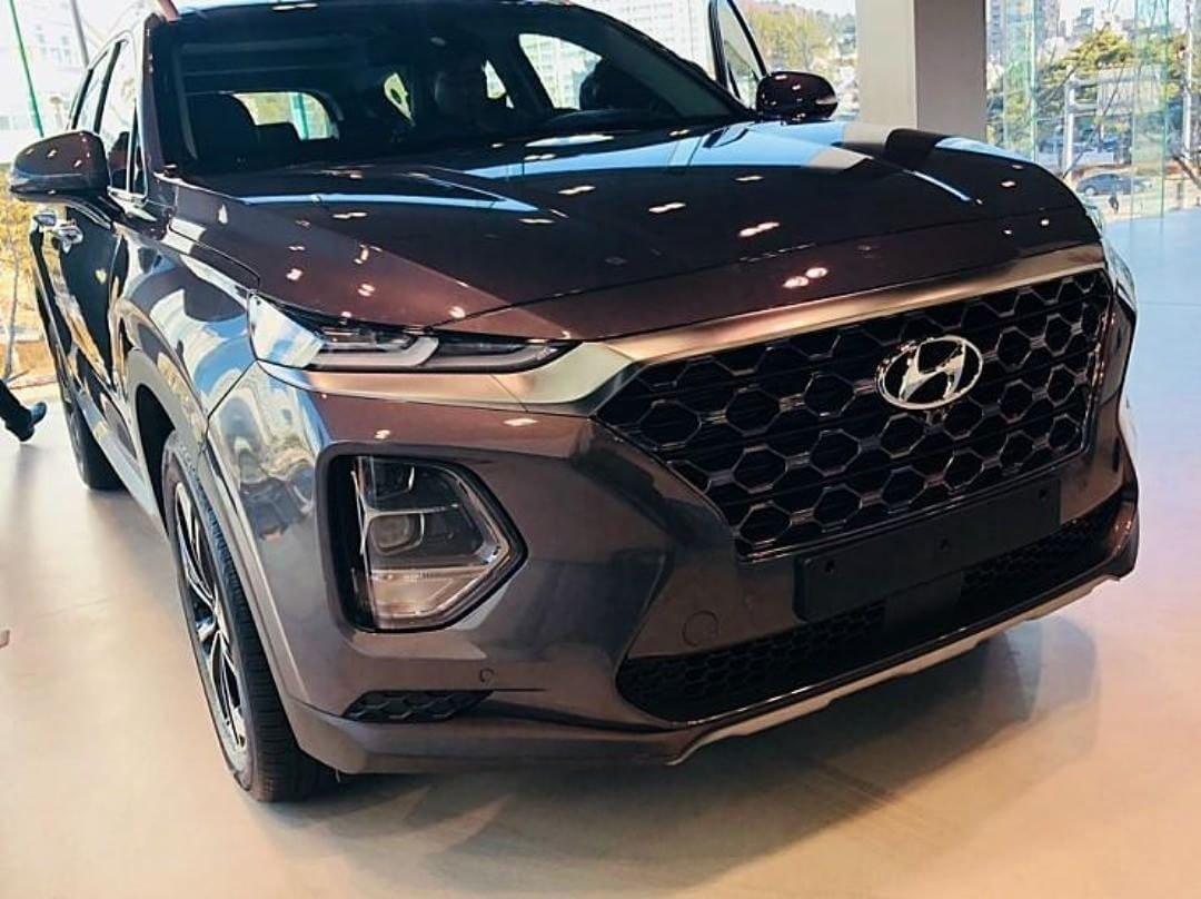 2018 - [Hyundai] Santa Fe IV - Page 2 DVg1CwtXcAAeSGV