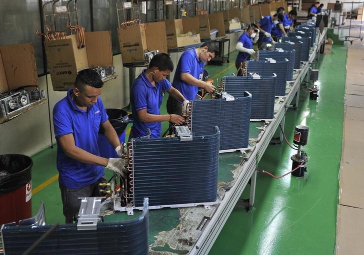 Indicador antecedente de emprego aponta retomada da geração de vagas formais no Brasil, diz FGV https://t.co/KiOnog5p01