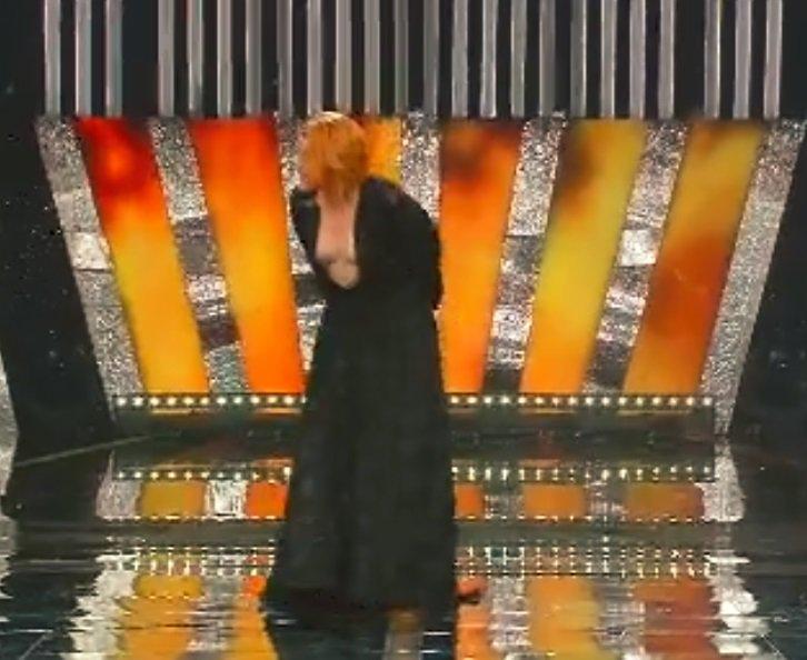 Il Do di petto di Noemi  #Sanremo2018 https://t.co/PDf7WCOhOQ https://t.co/TgpXfLuyN0