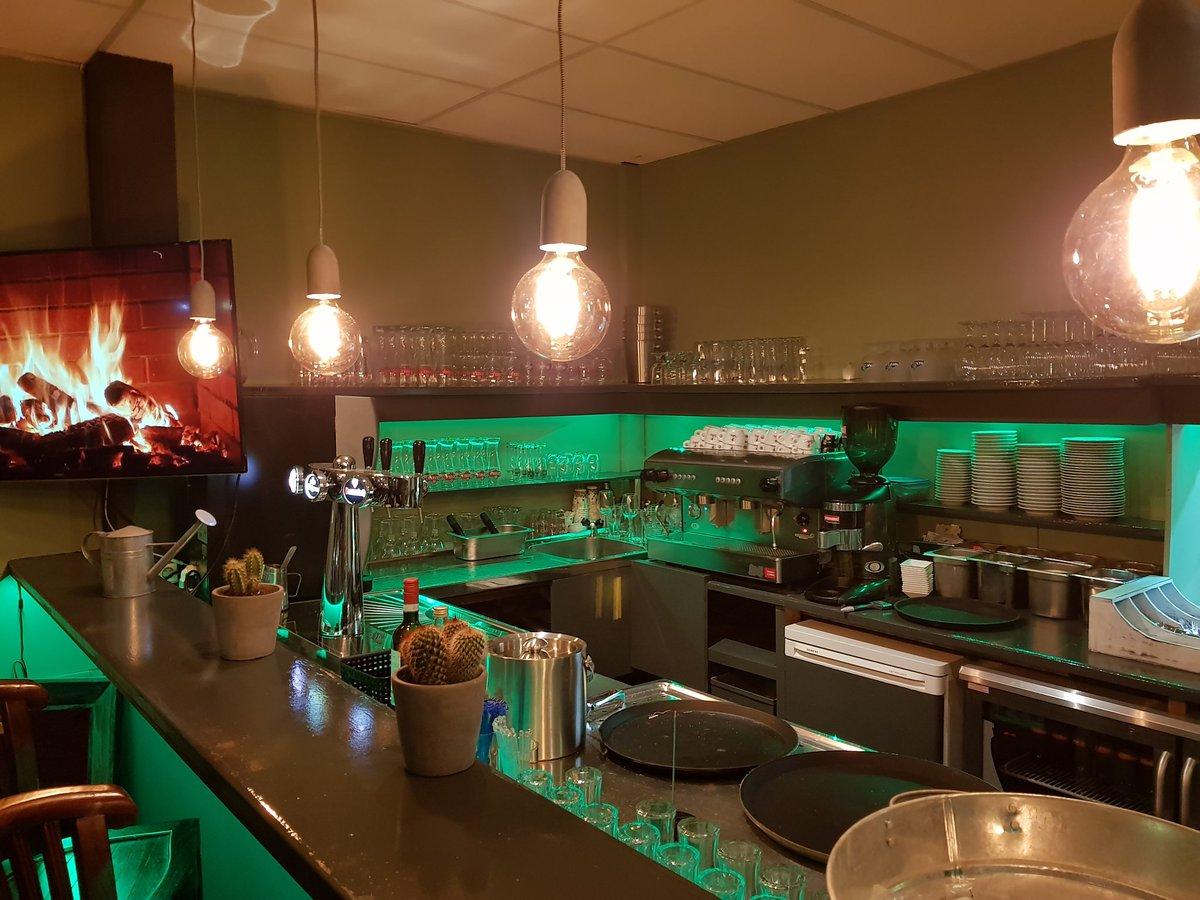 Lampen Boven Bar : Lampen boven bar muuto unfold hanglamp eggscreamhoney