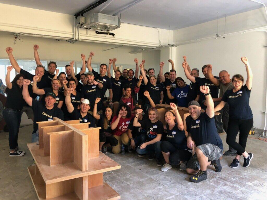 Agradecemos a los empleados de @Chobani por apoyarnos al realizar trabajo voluntario en nuestras instalaciones en Caguas durante el día de hoy. We thank @Chobani employees for supporting us by doing volunteer work in our facilities in Caguas today.