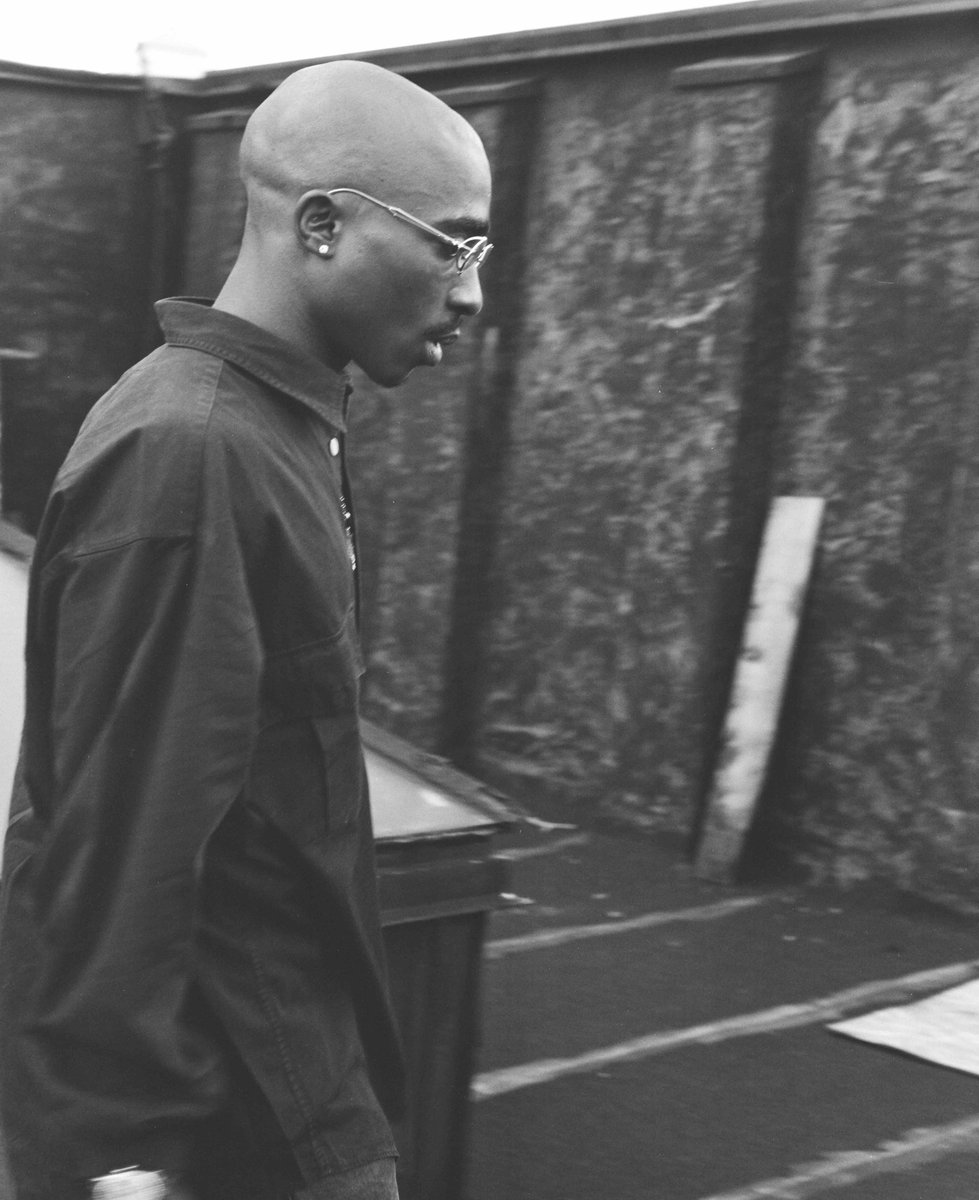 "2PAC on Twitter: """"We must remember that tomorrow comes after the dark."" # 2PAC #Tupac… """