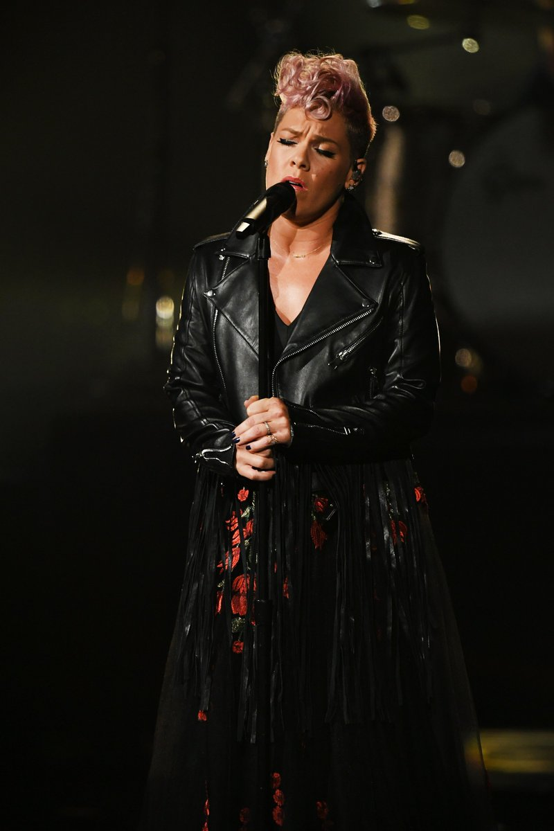Forever inspired by @Pink. 💪 #tbt https:...