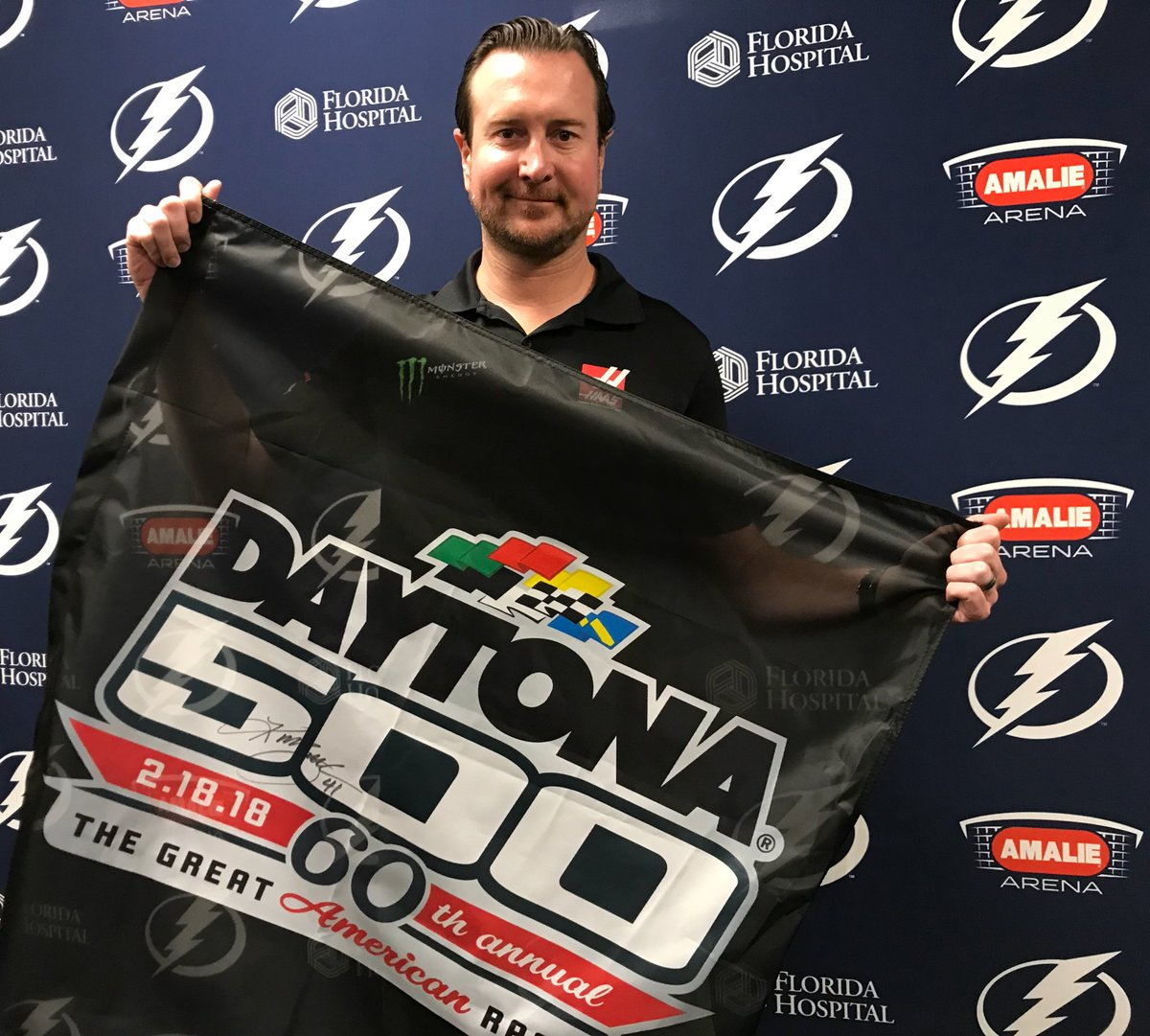 Want to win a #DAYTONA500 flag signed by @KurtBusch?! RETWEET and we'll pick a random winner tomorrow at 9:00 am ET! #ROADTODAYTONA500