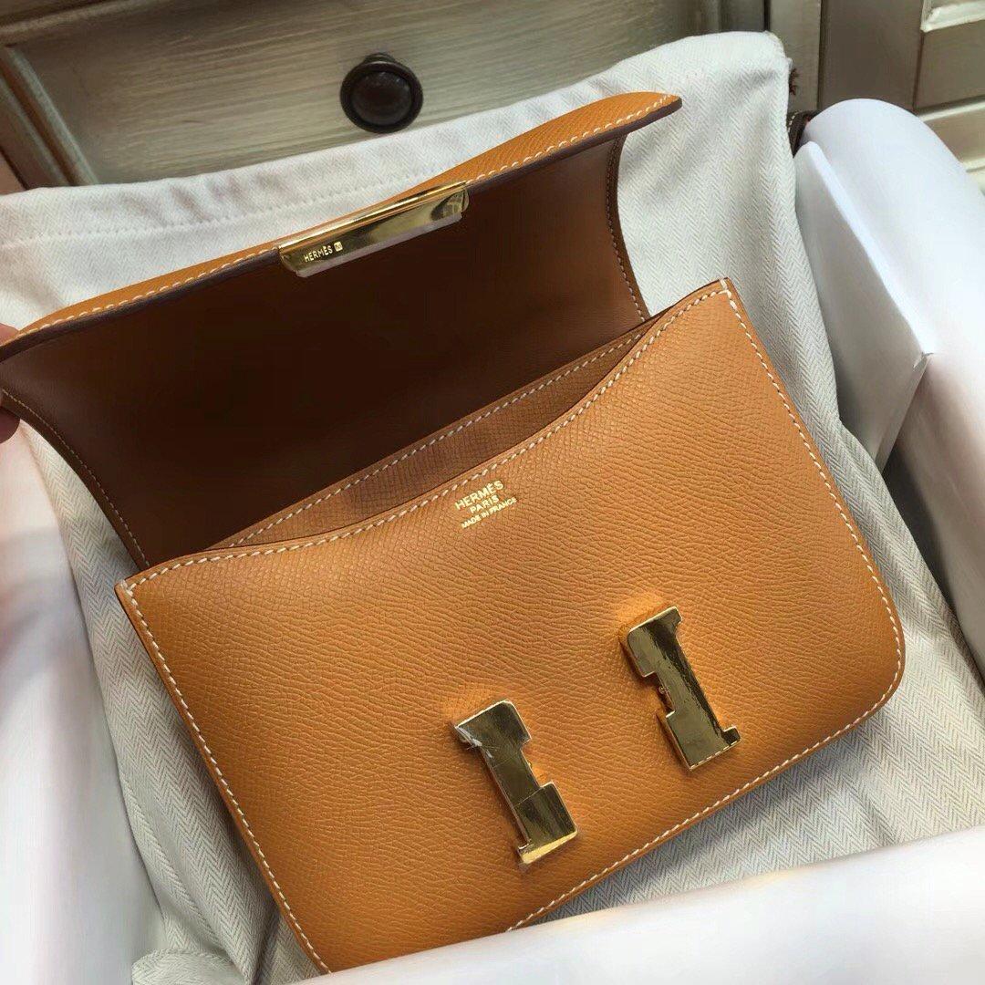 a89cee9d5dc Bellavitamoda @Bellavitamoda · 8 Feb 2018. Hermes Toffee Constance Epsom  leather ...