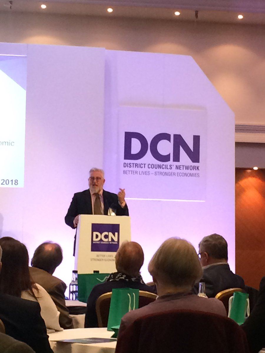 .@CllrKBentley highlighting the opportunities, as well as the risks, offered by #Brexit @districtcouncil #DCN2018