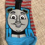 これは子供が怯える!トーマス靴下の表と裏で全然違う!