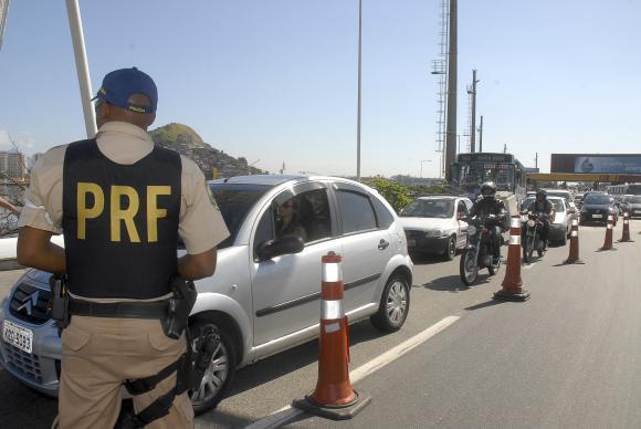 Operação Carnaval: PRF intensifica fiscalização de rodovias em todo país. https://t.co/X2J5ozrOTT 📷 Arquivo/ABr