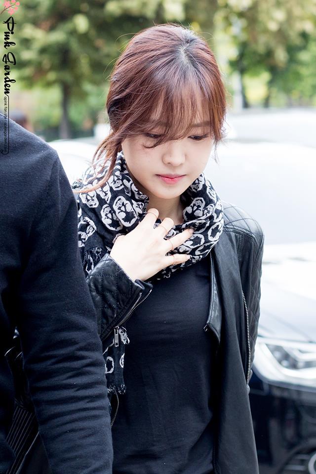 I actually love Naeun with bangs, she lo...