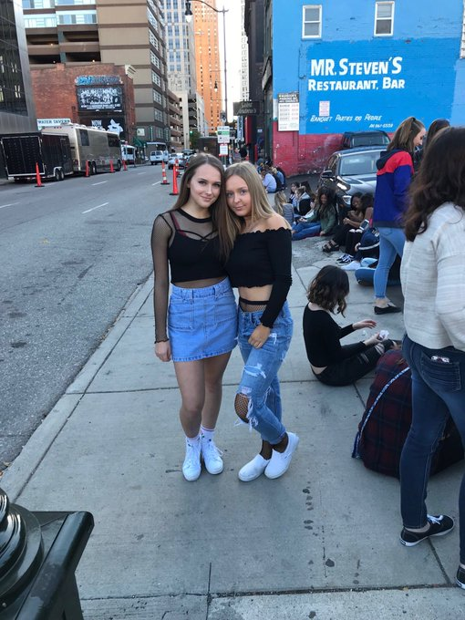 Happy birthday nessa!!!     Love & miss you sm, can\t wait to thrive at harry styles this summer