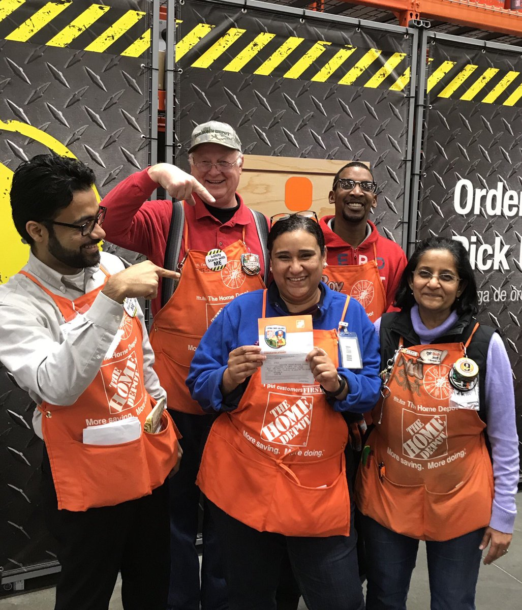 Ana B At The Service Desk Getting A Homer Glastonbury CT For Creating Shareholder Value Tremendous Job High5 Orangepromise Homedepot Kwoolleyjr