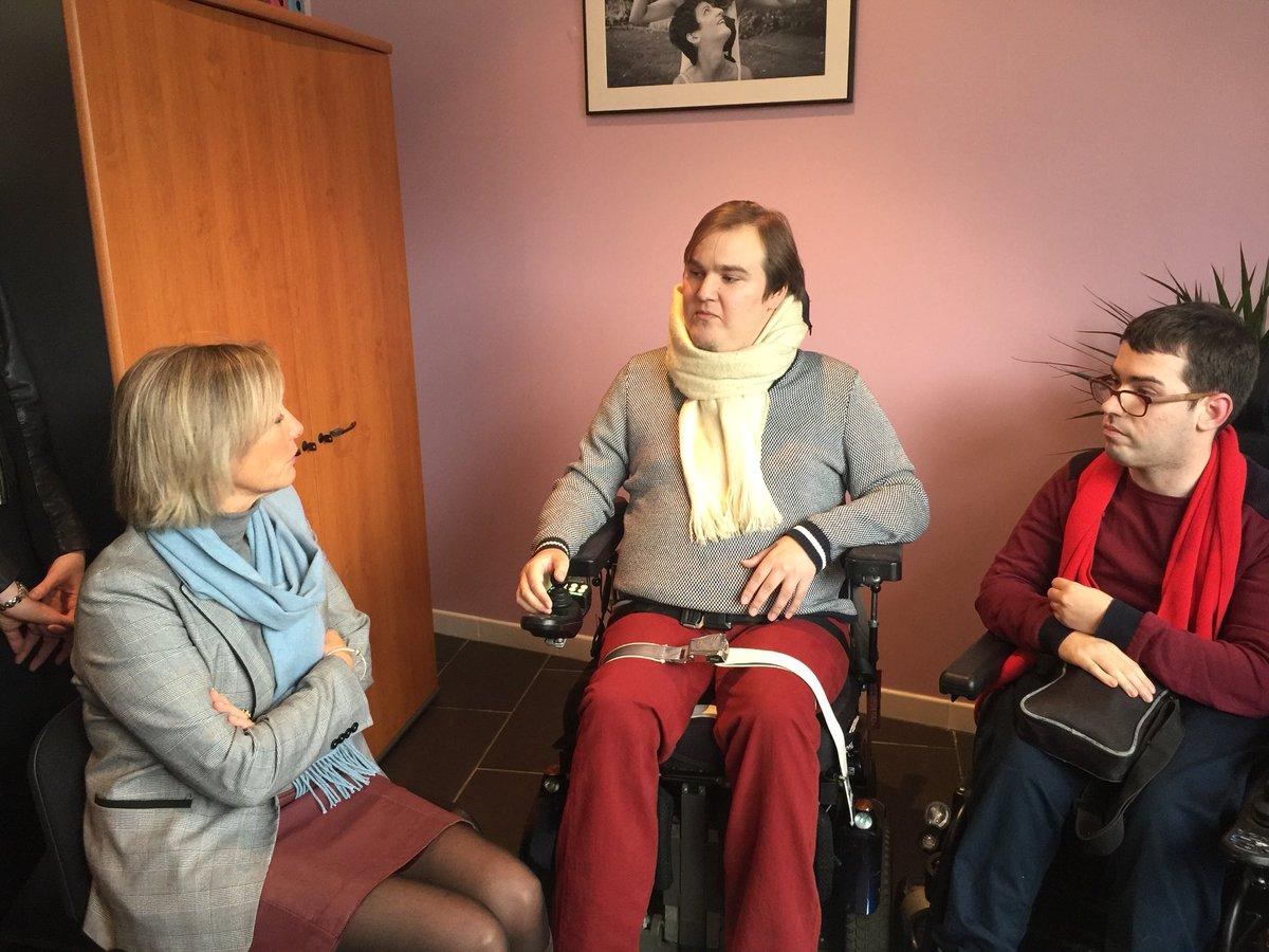 services de rencontres handicapés rencontre quelqu'un au niveau international