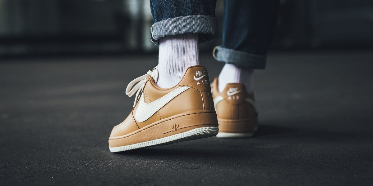 Costo Precio Barato Nike Air Force 1 '07 LV8 Elemental Gold/ Light Cream Auténtico RxA9dYvb
