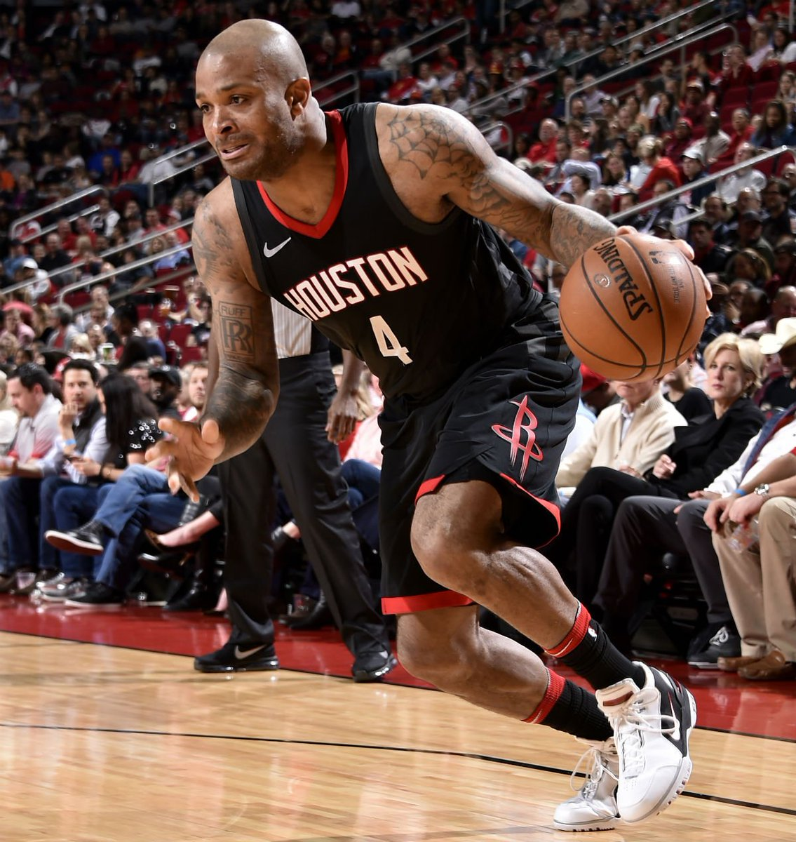 332bc43bca4813  SoleWatch  P.J. Tucker wearing the Nike Air Zoom Generation.pic.twitter .com jj3dDvnWNz