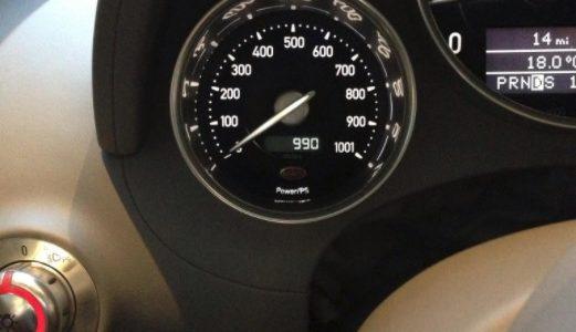 Ostentação sem fim | Mayweather paga R$ 82 mil a cada troca de óleo do carro https://t.co/7cNGd25xlt