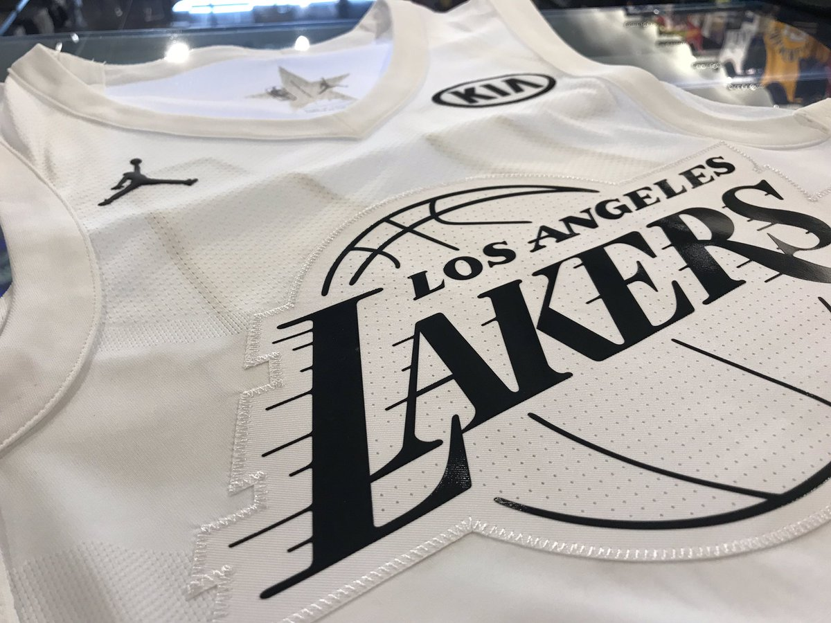 official photos 89796 98d68 Lakers Team Shop on Twitter: