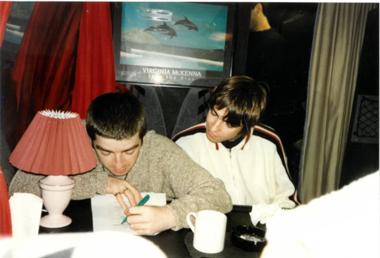 ⬇︎CAPTION THIS⬇︎ This previously unearthed photo was taken late September, 1994 on the bands US Tour Bus in California.  Best photo caption in the comments below wins a deluxe Definitely Maybe remastered vinyl LP.  Comp closes 9am, 12th Feb.