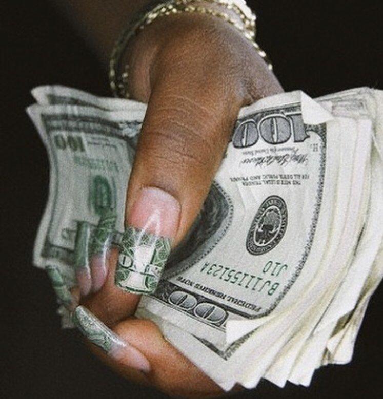 Снегопада, открытка в руке деньги