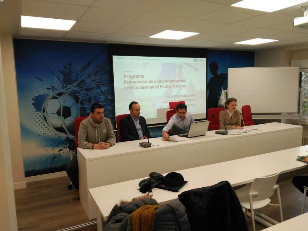 DESDE LA BANDA - FÚTBOL NAVARRO (DLB-FN) | I Taller de Fomento de valores y prevención de la violencia en el fútbol base.