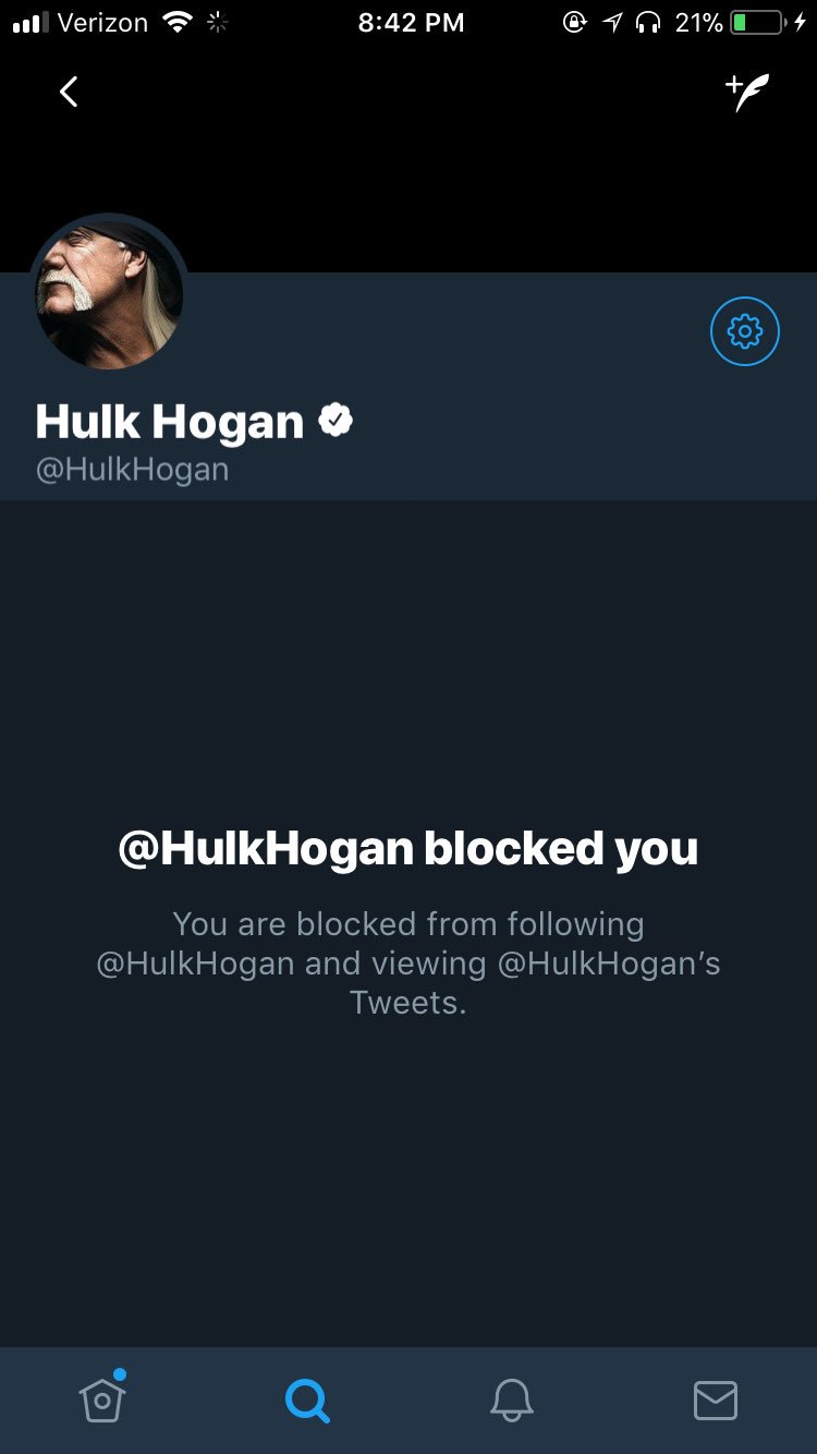 YALL HOLD THE FUCK UP   WHY DID HULK HOGAN BLOCK ME https://t.co/eGD6VNXfAe