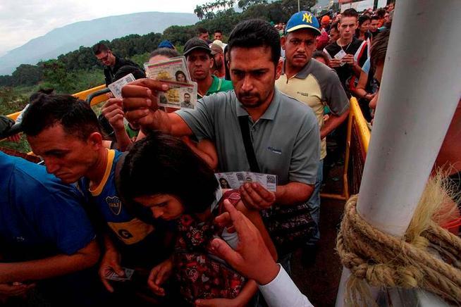Resultado de imagen para Éxodo de venezolanos a Colombia desafía reforzados controles