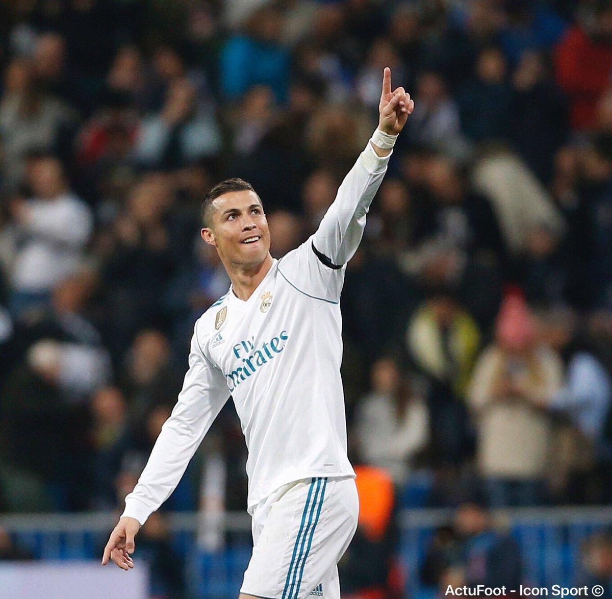 Cristiano Ronaldo depuis son arrivée au Real Madrid :  👕 422 matchs ⚽ 430 buts 🥇 Joueur ayant inscrit le plus de triplés en Liga (33)
