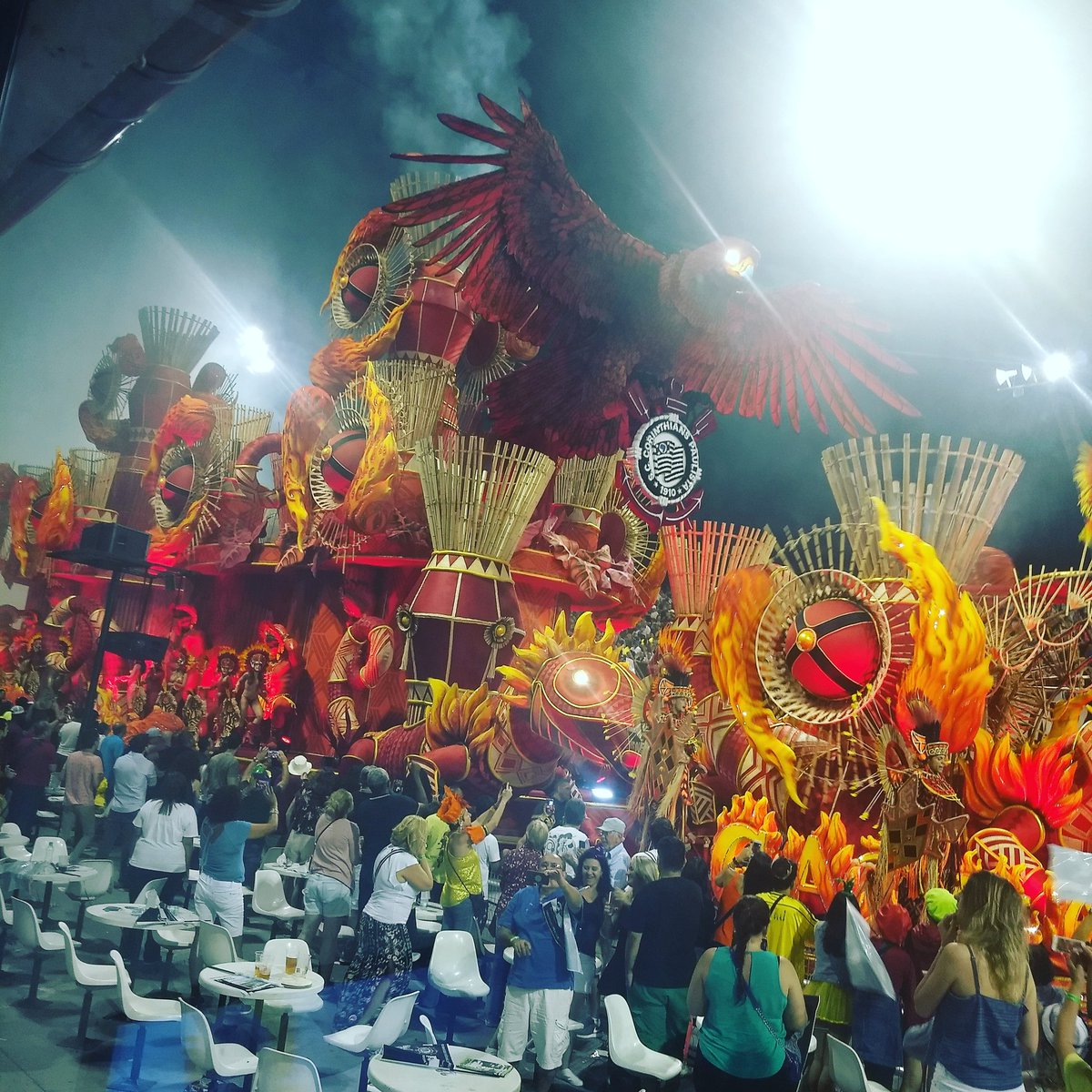 Grandioso e gigantesco o carro abre alas da Gaviões da Fiel #BandNewsFM #carnavalsp