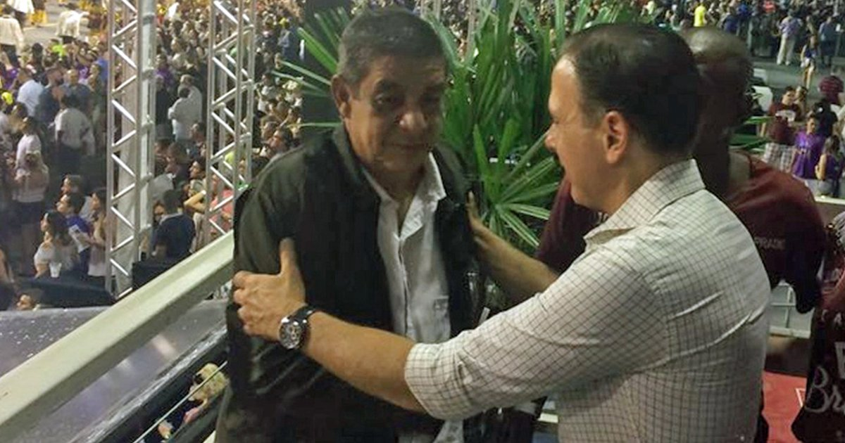 Zeca Pagodinho se irrita com pedido para tirar foto com Doria https://t.co/9IqGAB3ACs #globeleza