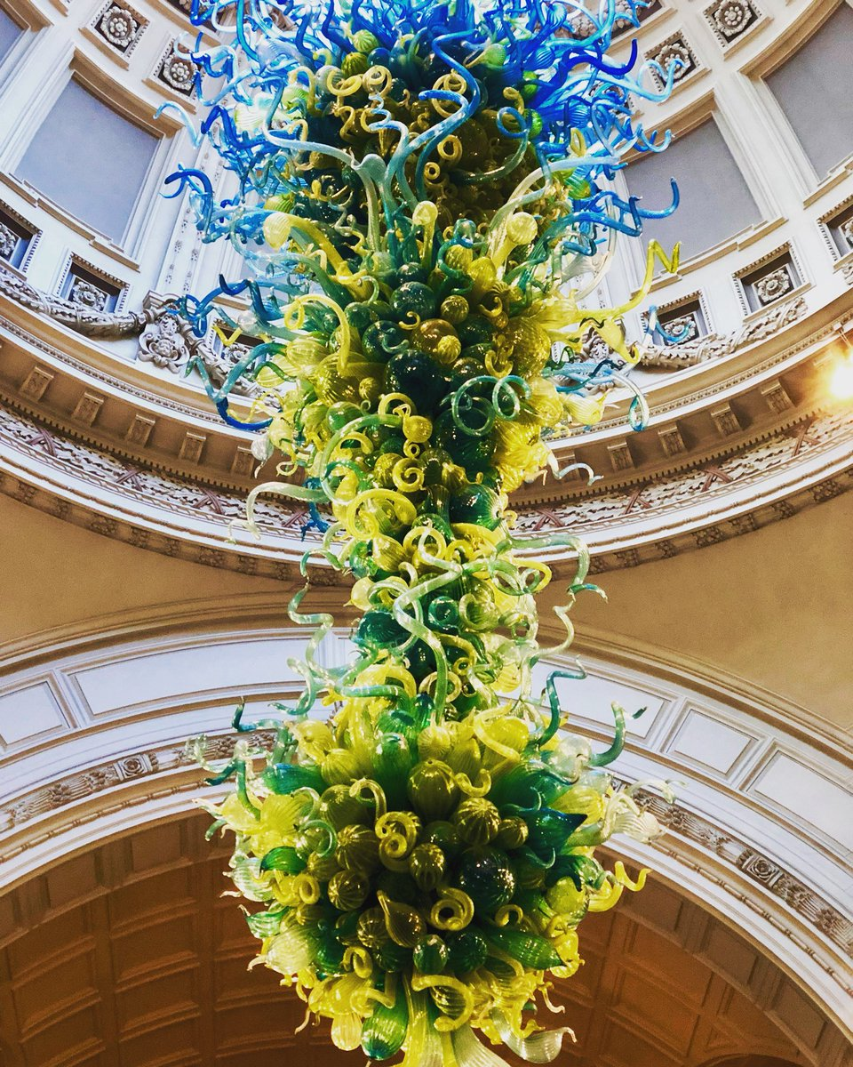 Victoriaandalbertmuseum twitter search did you know that the stunning chandelier by dalechihuly which hangs under the main dome in the entrance of the victoriaandalbertmuseum is made up of arubaitofo Choice Image