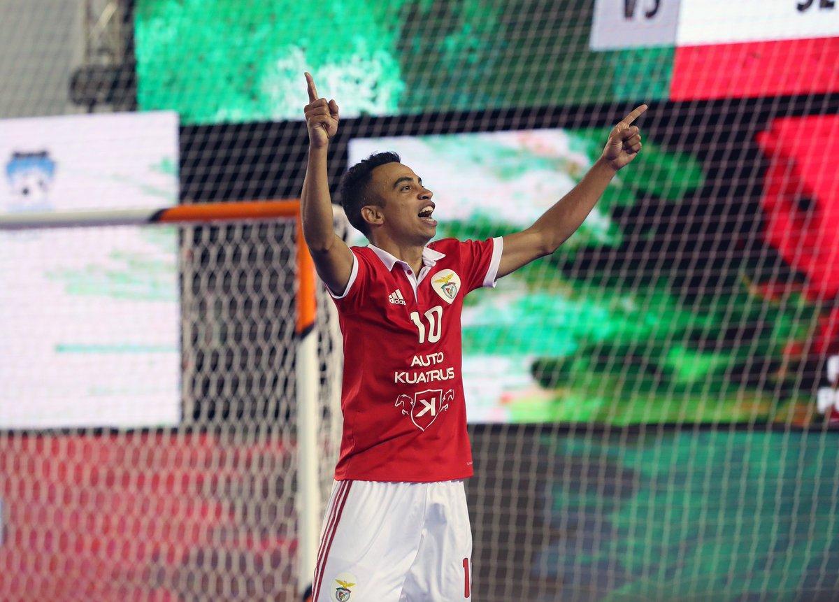 👏👏 Parabéns, Robinho, pela grande prestação no @UEFAFutsal 2018 ao serviço da seleção Russa! 🇷🇺