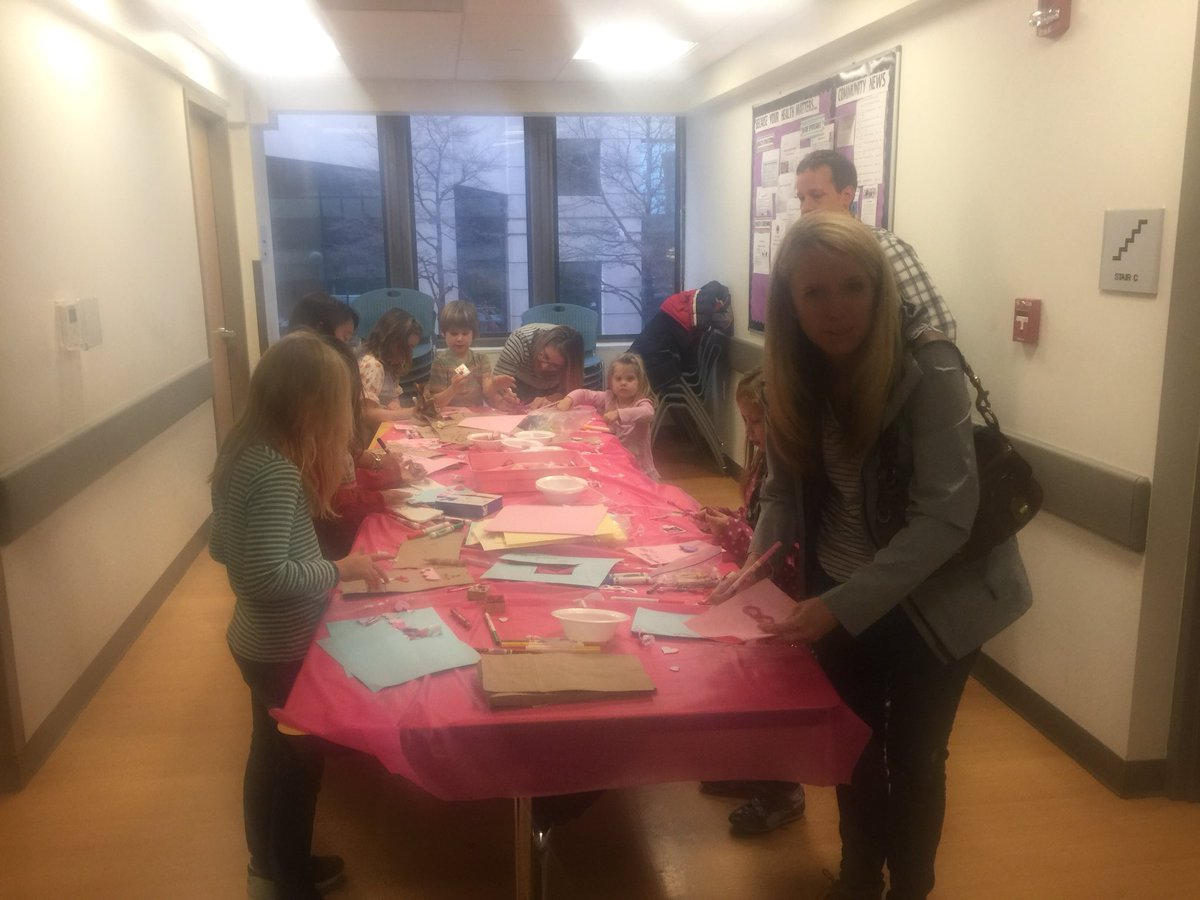 Jamestown Day of Service at ASPAN. Families are touring the building,decorating cookies, and making Valentines Bags. <a target='_blank' href='https://t.co/WfNbVjtLiv'>https://t.co/WfNbVjtLiv</a>