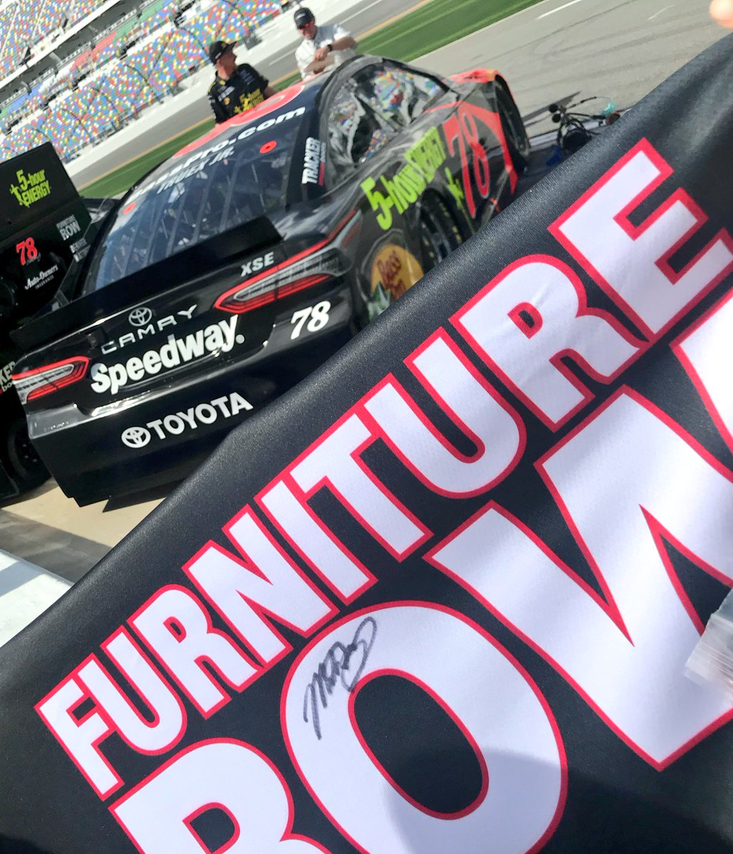 Are you ready for #DAYTONA500 Qualifying?! RETWEET for your chance to win this @FR78Racing crew shirt signed by ! @MartinTruex_Jr🏁  We'll pick a winner tomorrow at 11:00 am ET!