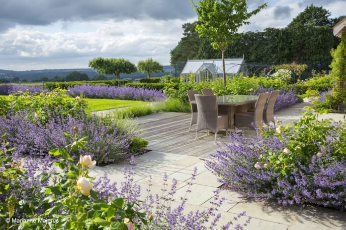The English Garden On Twitter Be Inspired By Garden Design Ideas Big And Small From These Award Winning Gardens The Sgd Https T Co 9vm57ekh3m Gardens Design Plants Https T Co Hw6lex3mt7