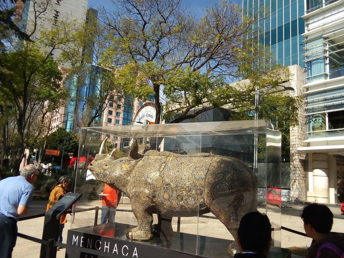Arte Huichol en la CDMX : Av. Reforma, D...