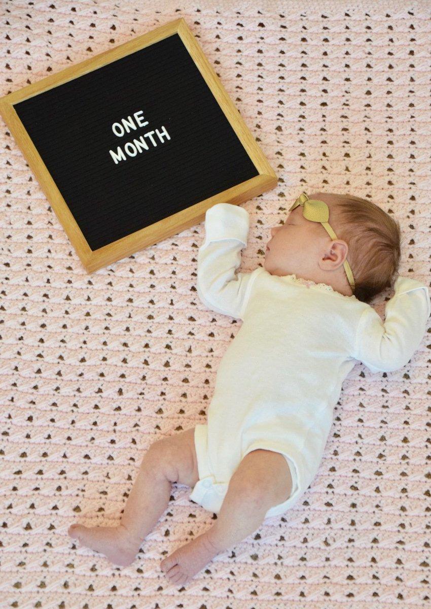 Hazel: one monthold https://brookehamiltonblog.wordpress.com/2018/02/11/hazel-one-month-old/…