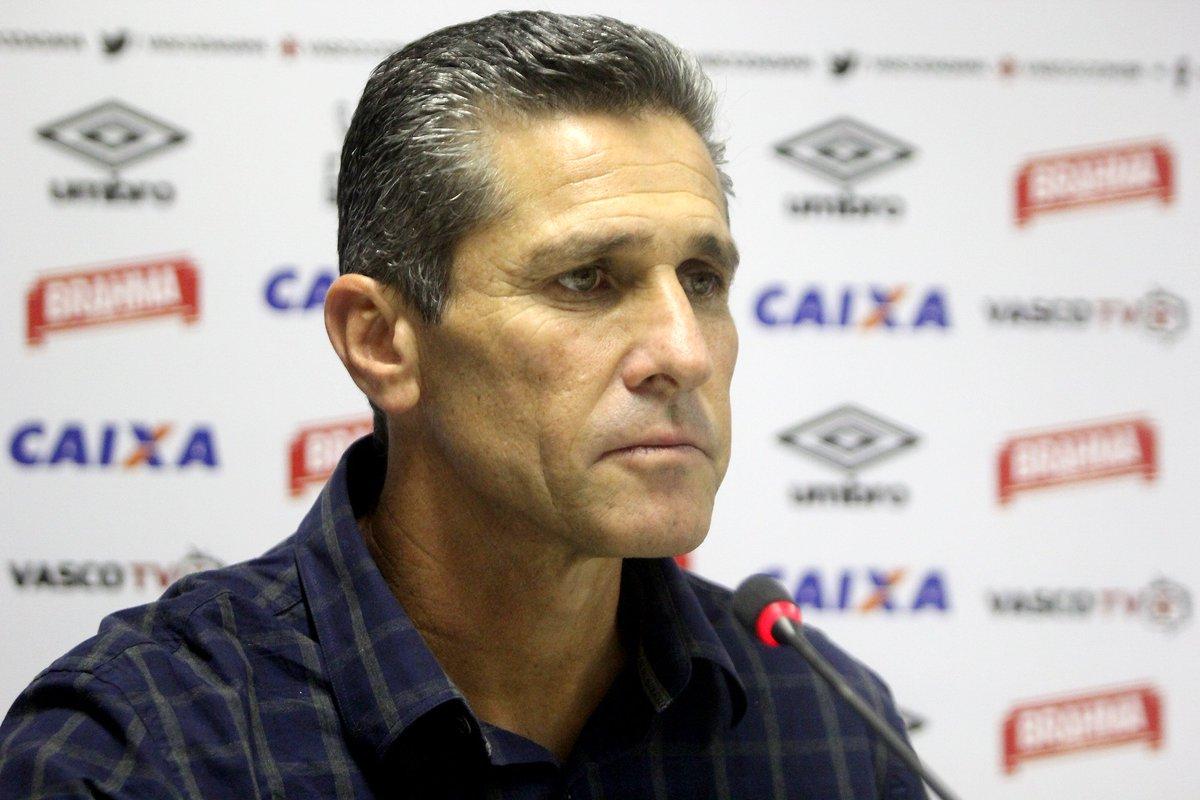 Sob ameaça de perder Zé Ricardo, Vasco procura Jorginho:  https://t.co/8t9JPcDDv5