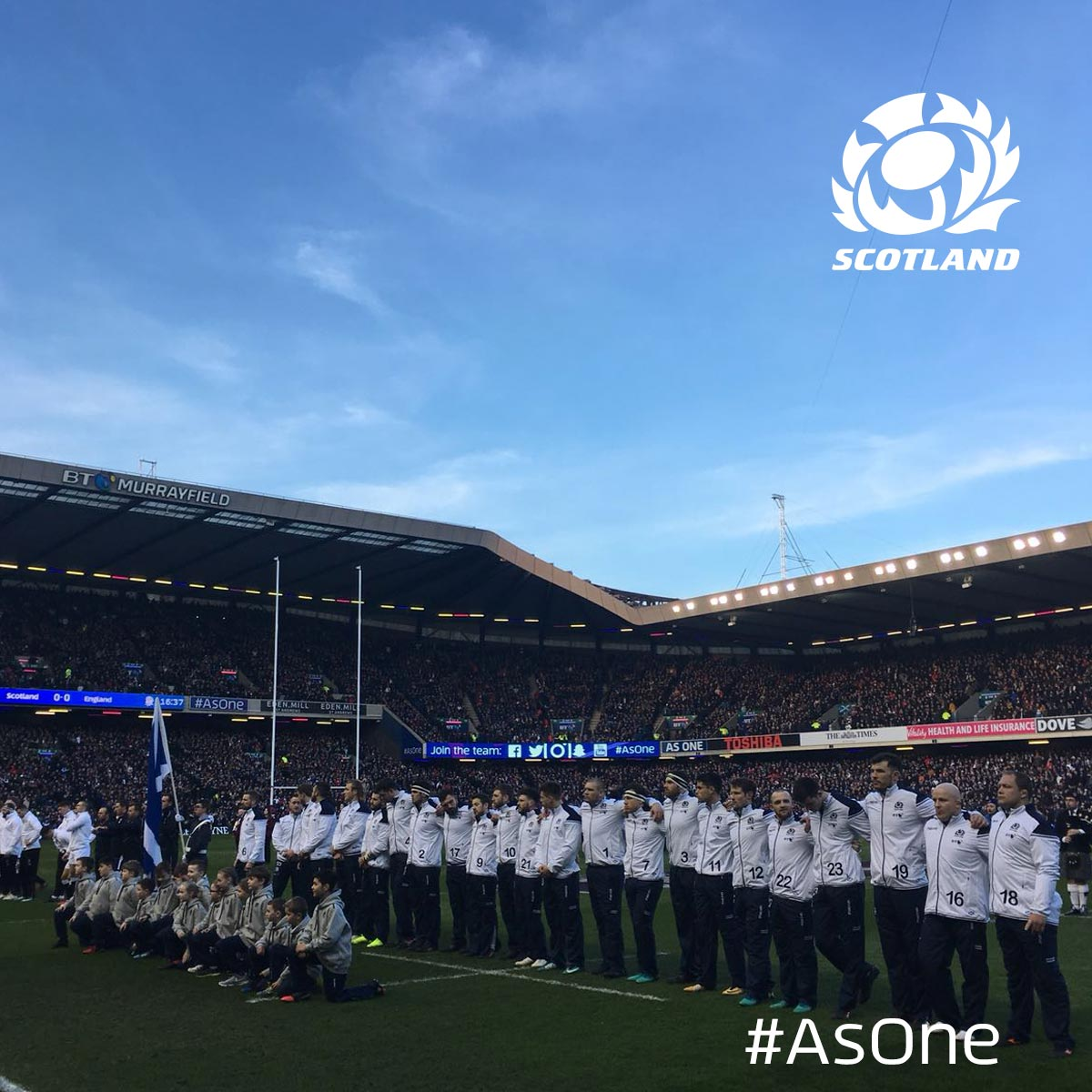Both teams line up for the anthems here at BT Murrayfield! 🏴󠁧󠁢󠁳󠁣󠁴󠁿 #AsOne