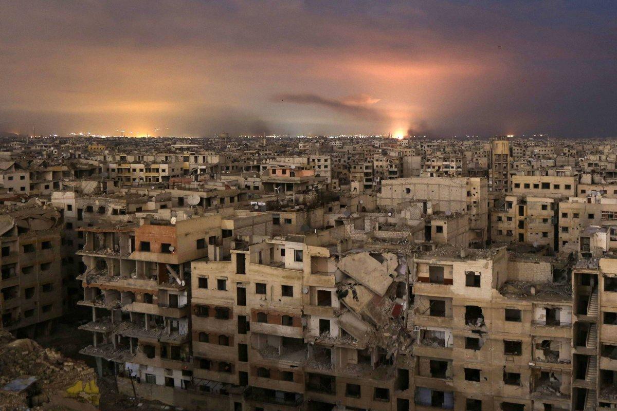 Novo inferno sob Bashar Al-Assad | Após uma semana de bombardeios, mais de 500 morrem na Síria https://t.co/dTIy8Xy4G0
