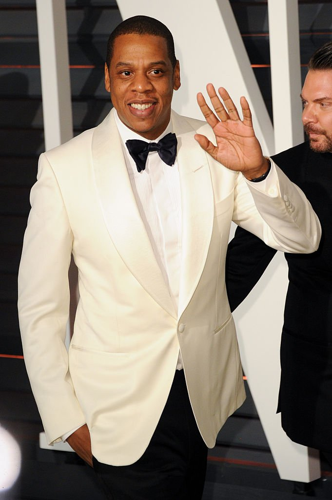 #MakingBlackHistoryToday American rapper & business mogul  is @S_C_one of the bestselling musicians of all time, selling over 100 million records.  He has 21 Grammys, owns the 40/40 nightclub, & Rocawear clothing co-creator. Net worth of $810 million + married to   @Beyonce#BHM