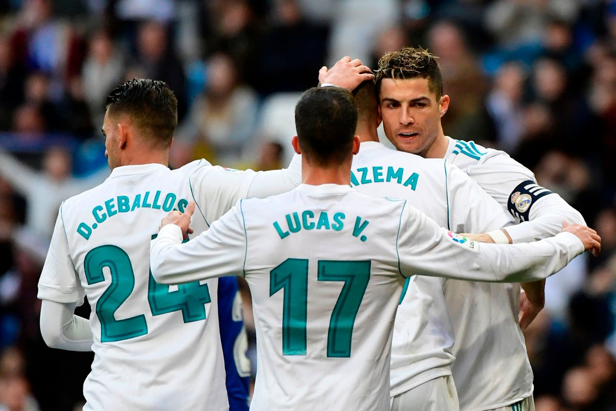 Cristiano Ronaldo had the chance to score his 50th career hat-trick and 300th Liga goal... but he let Karim Benzema take the penalty to complete Real Madrid's 4-0 win against Alavés.  Classy 👏👏👏  #UCL
