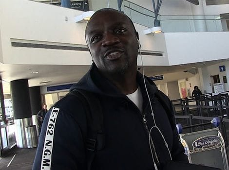 Akon Says He Could Have Turned the Lights Back on in Puerto Rico Months Ago via @TMZ https://t.co/RY3Zr4HqI0