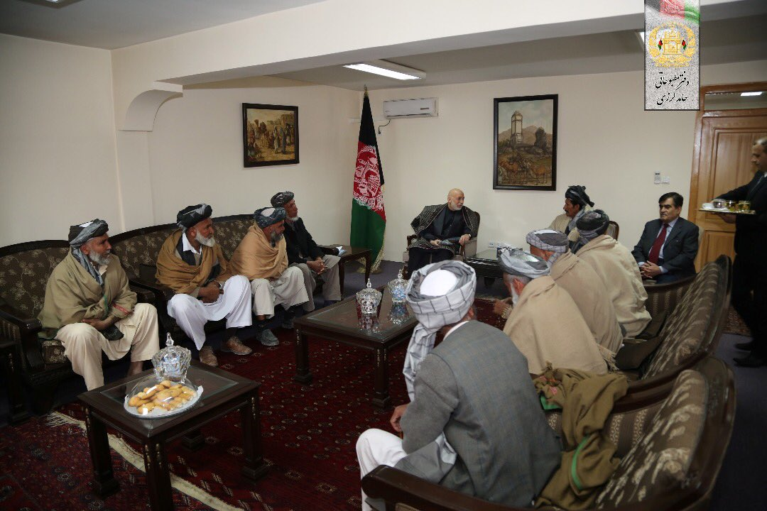 Former President @KarzaiH met with a group of elders from #Kalakan district of Kabul in his office on Saturday.  The elders discussed issues of local concern.