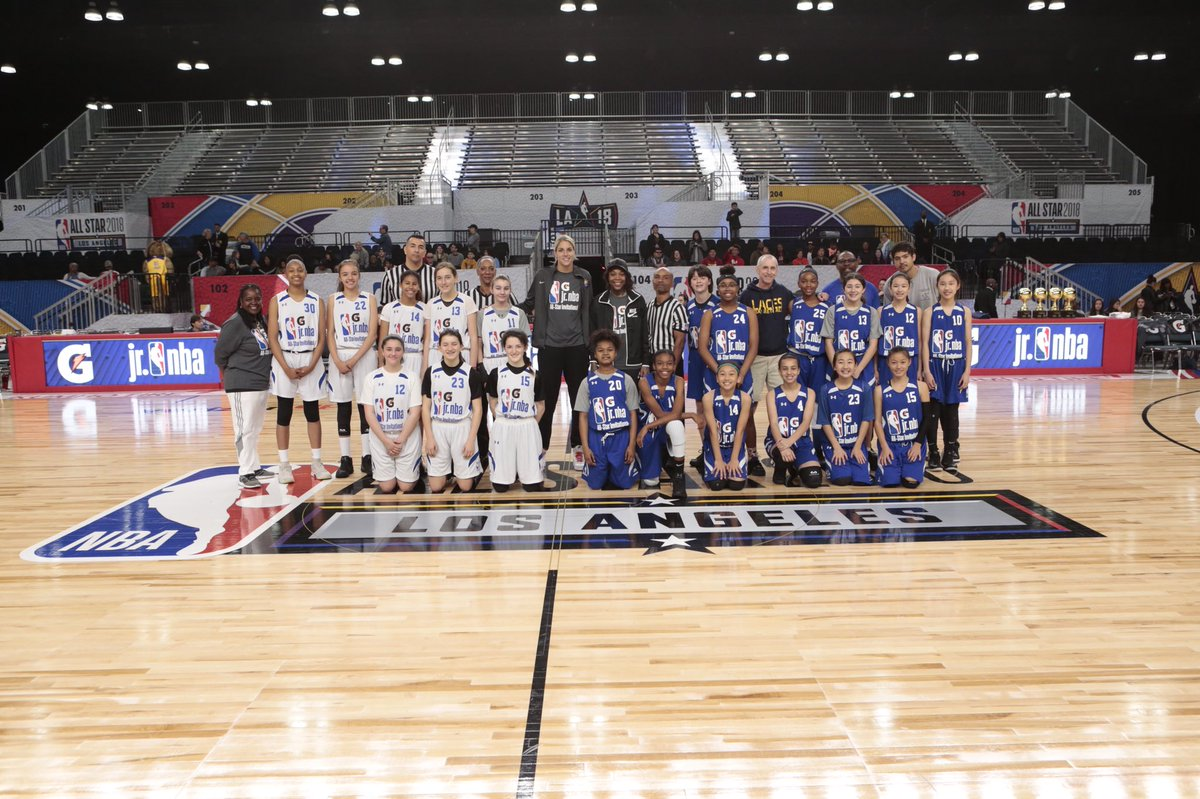 Four teams squared off in the Gatorade Invitational Final during @NBAAllStar and the results are in! These teams deserve gold 🥇🏆  Check out the full gallery here: http://on.nba.com/2FtIzlU