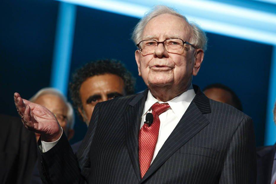 Com US$ 116 bilhões em capital para investir, bilionário Warren Buffett diz que precisa fazer 'grandes aquisições' https://t.co/HyYlFMCDJm
